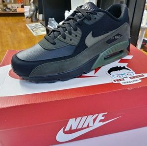 NIKE AIR MAX 90 OLIVE MEN SHOES SIZE 9 NEW